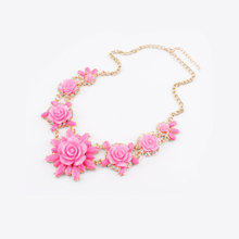 Stereo rose necklace female fashion short chain of clavicle Exaggerated valentine's gift Europe and the United States jewelry accessories
