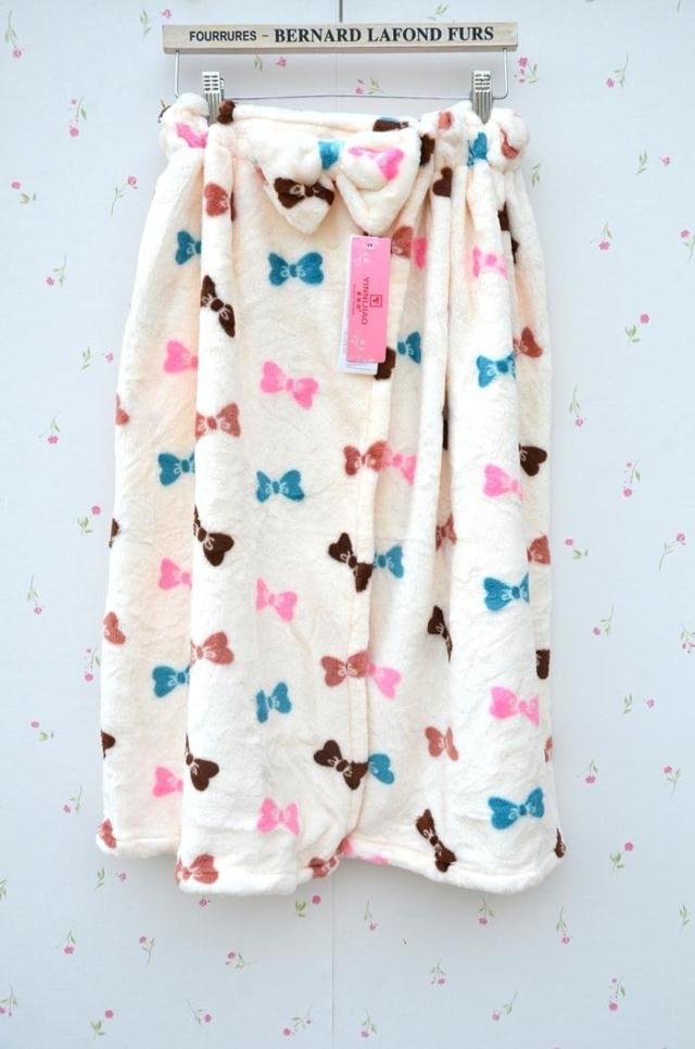 Халат Женщины фланелевой пижамы и халаты и прекрасный зимний Халат халат полотенце Ванна юбка сексуальная ночная рубашка коралловые флис stomacher сумка почта