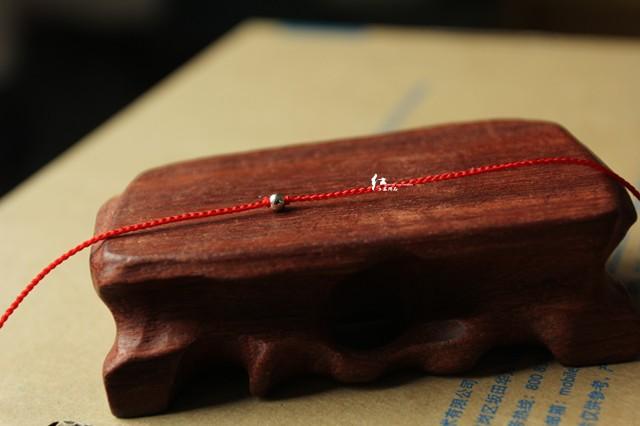 Цепочка на руку Настройка первоначального очень тонкой ручной 0,8 мм 14k Цзинь Чжу красная строка браслет удивил Hong Yi-Bing